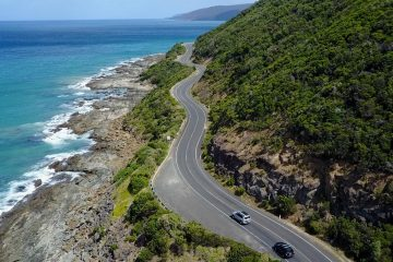 great ocean road day trip melbourne bunyip tours backpacker australia 12 apostles