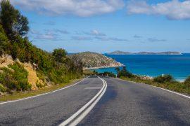 stray australia cairns sydney trev pass hop on hop off bus freestyle network east coast tour oz